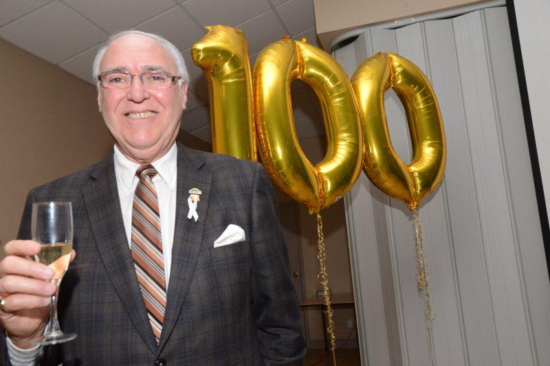 Le maire, Gilles Plante, a donné le coût d'envoi aux festivités du 100e anniversaire de McMasterville.