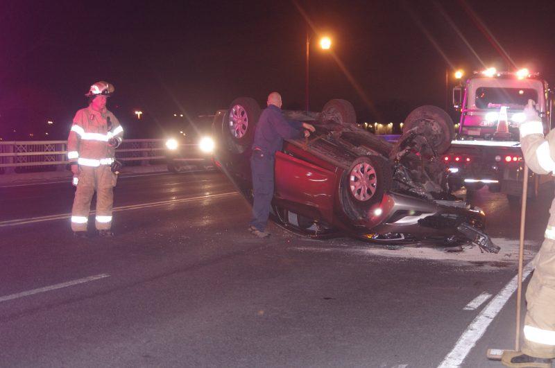 La voiture s'est retrouvée à l'envers.