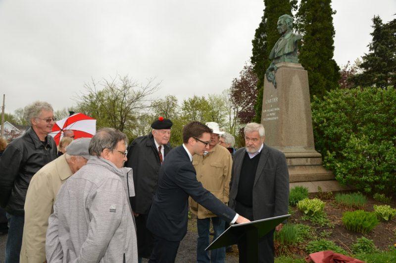 La société historique et culturelle  de Saint-Antoine-sur-Richelieu a dévoilé la plaque commémorative de George-Étienne Cartier.