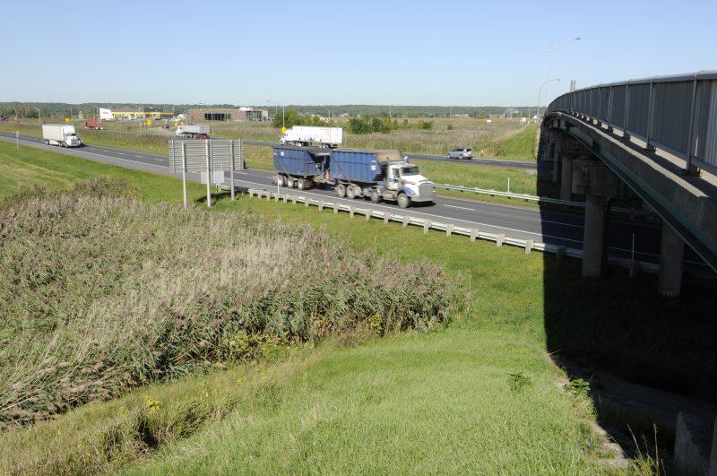 Une voie sur deux de l'autoroute 20 est et ouest sera fermée à la hauteur de la sortie 109, entre mercredi et samedi.