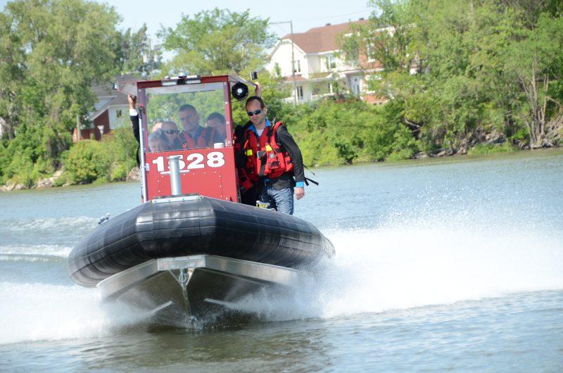 La nouvelle embarcation du service de sécurité incendie et sauvetage d'Otterburn Park.