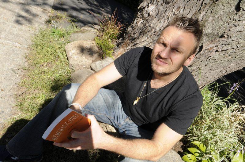 Jean-Sébastien Lozeau a réalisé le film Au nom de Jéhovah, qui faisait suite à son livre autobiographique Réveillez-moi! Une enfance chez les témoins de Jéhovah, paru en 2013.