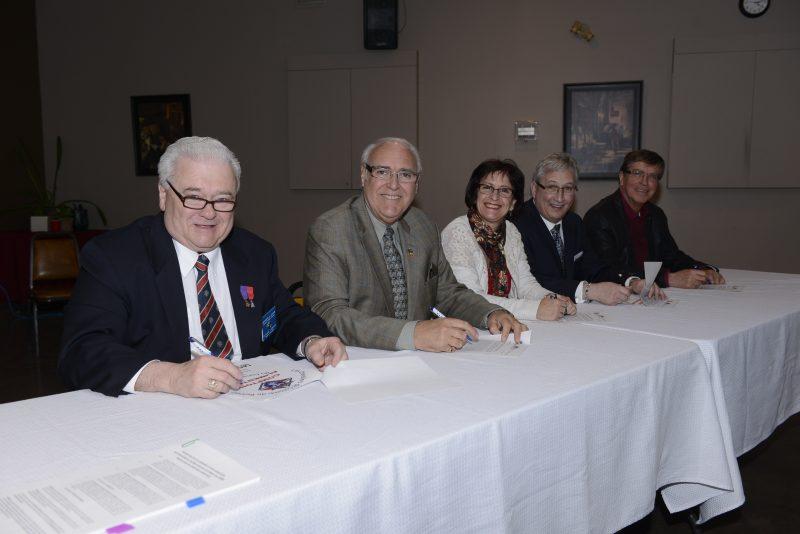 Belœil, McMasterville et Saint-Mathieu-de-Belœil ont signé une entente pour verser une subvention au comptoir alimentaire des Chevaliers de Colomb.