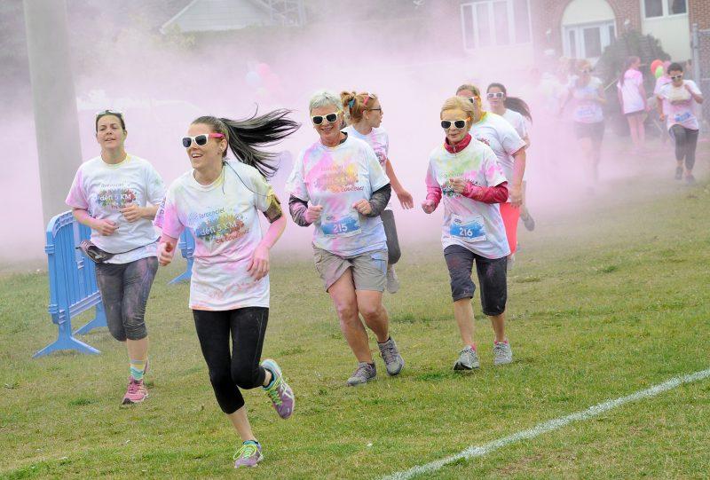 Une course haute en couleurs réussie