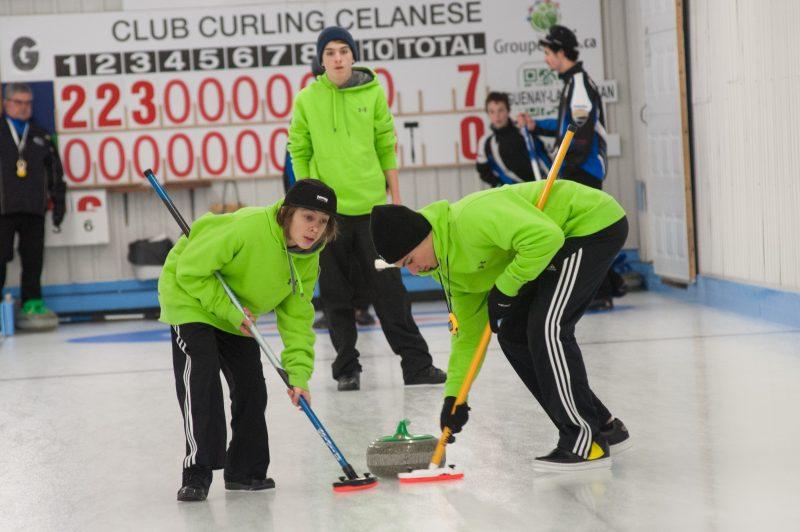 Les médailles du tournoi de curling des Jeux du Québec seront déterminées ce matin au Centre sportif Mistouk.