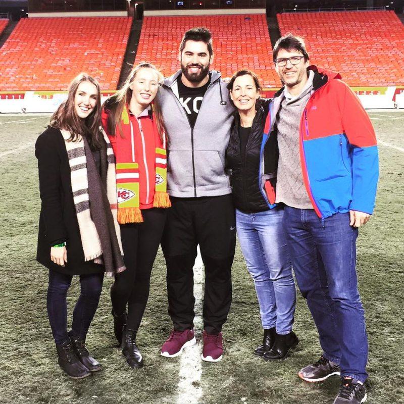 Toute la famille s'est réunie à Kansas City aux fêtes lors de la dernière partie régulière, à domicile, des Chiefs.