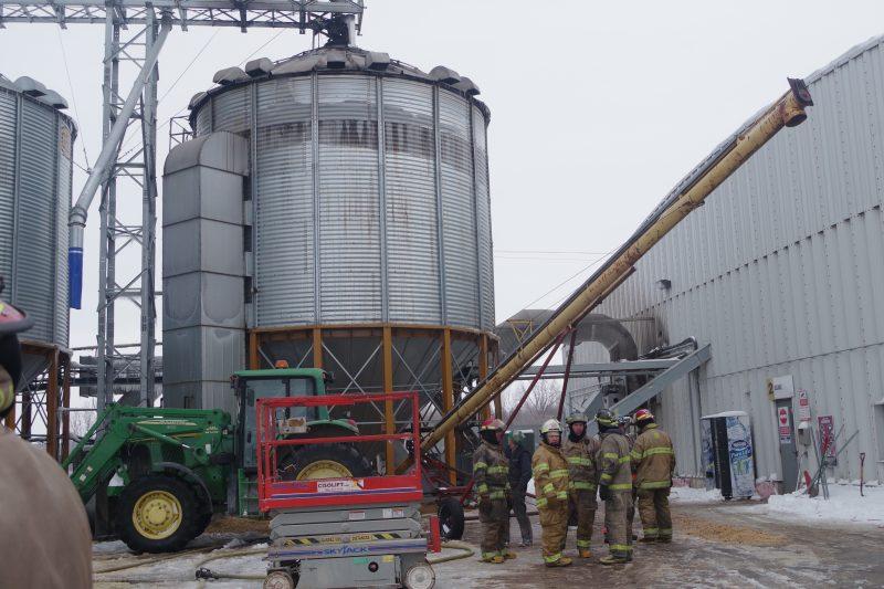 Une erreur humaine a causé un incendie dans un silo, tôt mardi.