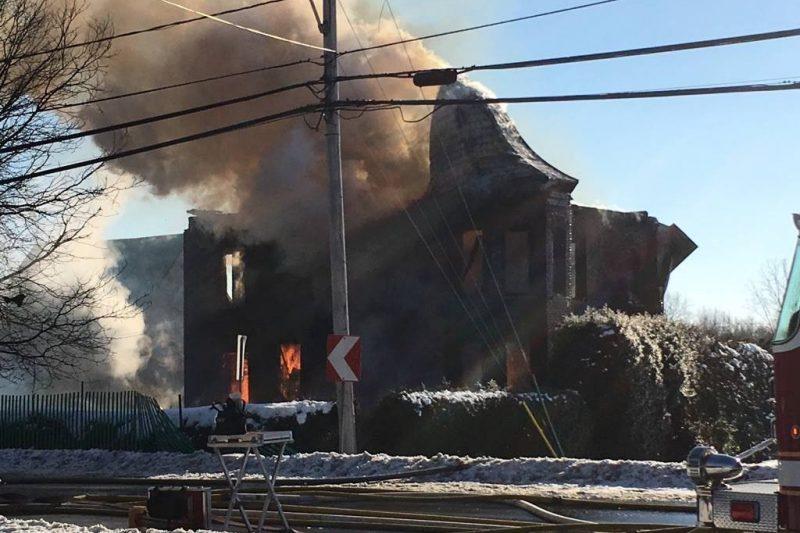 Une maison centenaire a été la proie des flammes, le 1er janvier dernier.