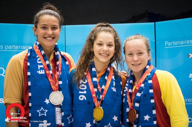 La nageuse Judith Sorel (à droite) de Saint-Marc-sur-Richelieu a gagné le bronze au 50m libre sous les couleurs de la Rive-Sud.
