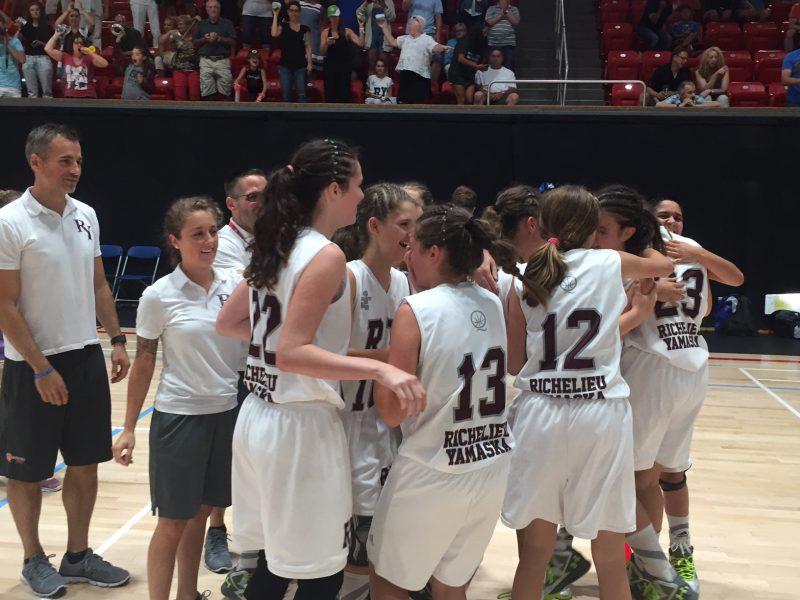 L'équipe féminine de basketball de Richelieu-Yamaska, qui comptait dans ses rangs les Beloeilloises Jessica Yelle, Meggie-Rose Pauzé et Florence Gosselin, a remporté le bronze.