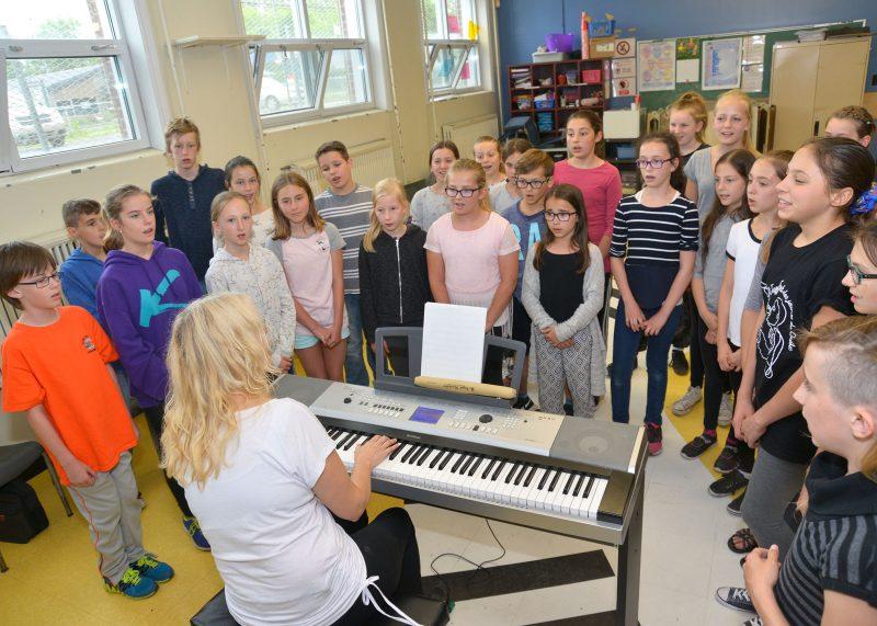 Diane Blais et ses élèves, quelques jours avant leur présence à ICI Radio-Canada