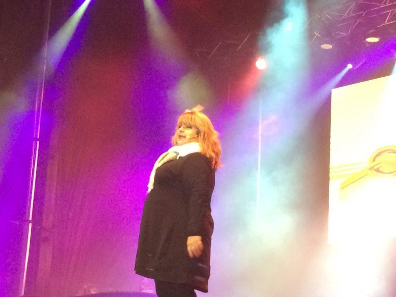 Lise Dion a présenté la version plein air de son troisième one-women show, Le temps qui court.