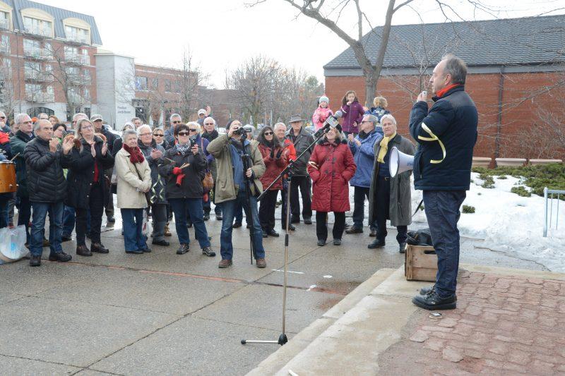 Plusieurs citoyens ont participé à la manifestation de février, dont le comédien Marcel Leboeuf.