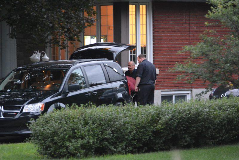 Le corps de Cheryl Bau Tremblay a été sorti de sa résidence autour de 20 h30, jeudi.