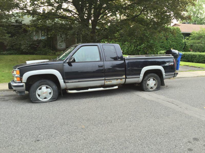 :La camionnette d'Alexandre Gendron a été vandalisée de la dernière fin de semaine.