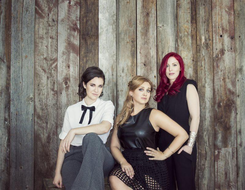 Les trois filles des Bouches Bées.