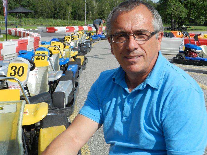 Luc Lussier, propriétaire de SH Karting de Mont-Saint-Hilaire affirme que les courses de karts sont très populaires cette année.
