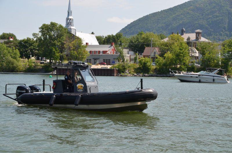 Le nouveau bateau de la patrouille nautique de la Régie de police Richelieu-Saint-Laurent.