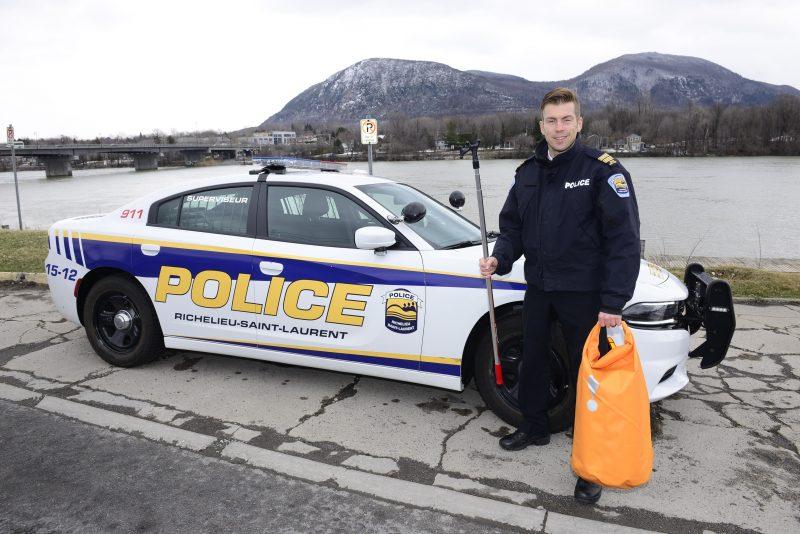 Le capitaine Yanic Parent a travaillé pendant trois ans sur ce projet de trousse riveraine à la Régie de police Richelieu-Saint-Laurent.