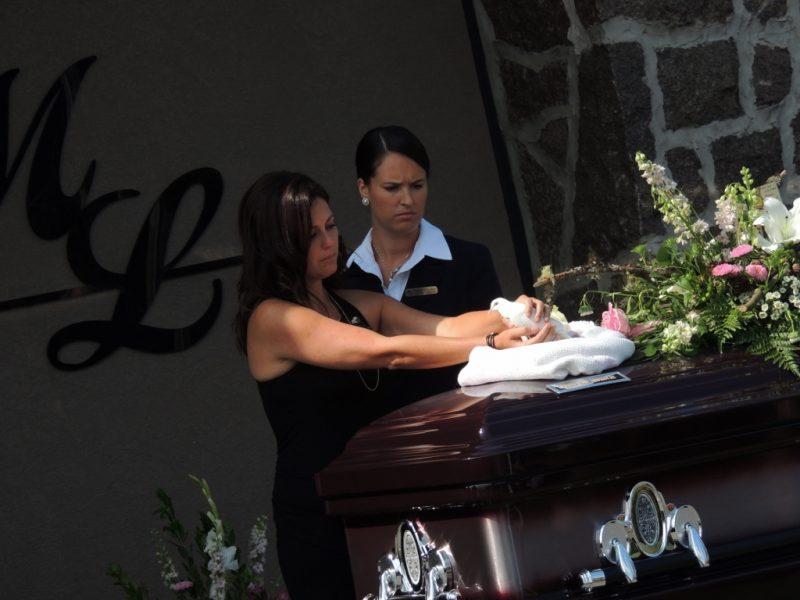 Cheryl Bau-Tremblay et son petit ange portés à leur denier repos