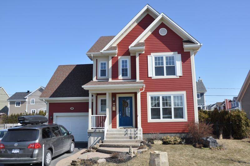 Le taux général d'imposition résidentielle passe ainsi de 0,67$ par tranche de 100 $ d'évaluation à 0,69$.