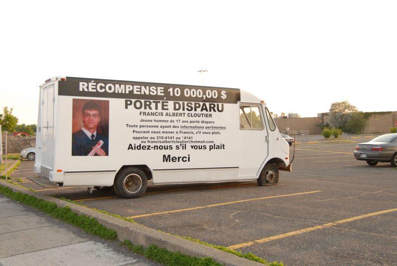 À un certain moment, la famille de Francis Albert-Cloutier faisait circuler ce camion pour stimuler la collecte d'information.