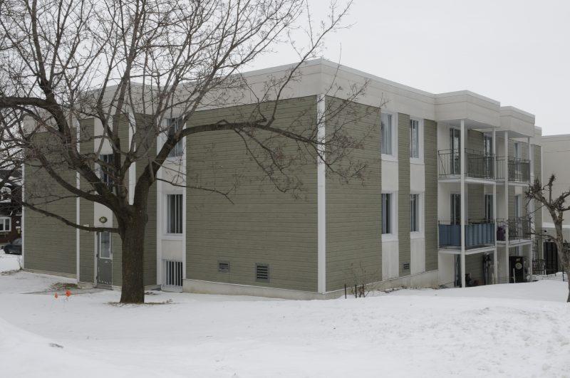 Les logements de transition pourraient se situer dans un immeuble de l'Office municipal d'habitation de Mont-Saint-Hilaire.