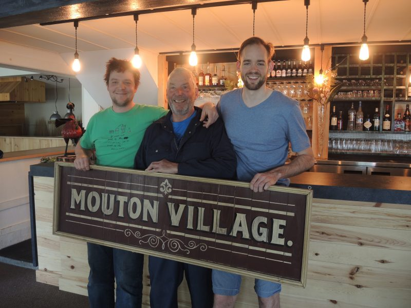 Marc-Antoine, Richard et Samuel Fontaine du Mouton Village à Saint-Charles-sur-Richelieu.
