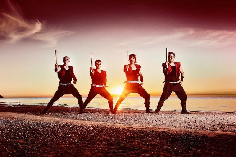 Le groupe Fubuki Daïko, basé à Winnipeg, débarquera avec leurs tambours japonais traditionnels, le 23 juillet, au parc des Patriotes, à Belœil.