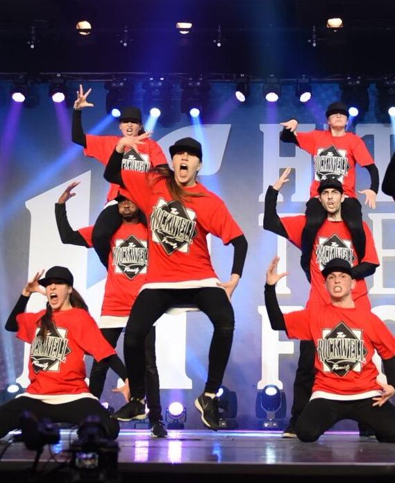 24 danseurs et danseuses de la troupe Rockwell Family, âgés de 12 à 36 ans, compétitionneront au World Hip Hop Dance Championnship à Las Vegas.