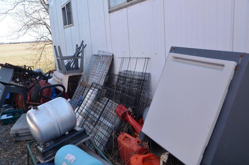 Une plainte pour des chiens enfermés à Mont-Saint-Hilaire