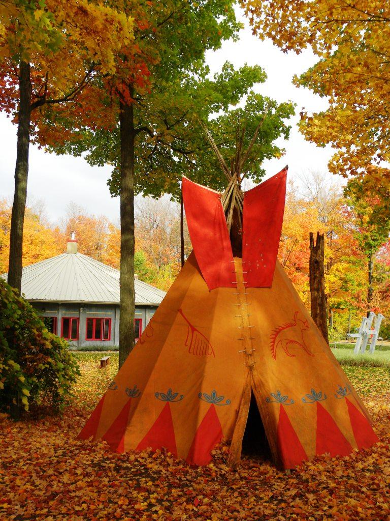 Les courreurs des bois sont à l'honneur à la maison améridienne.