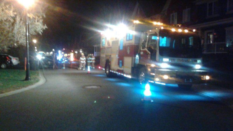 Les pompiers ont évacué quelques résidences par mesure préventive.