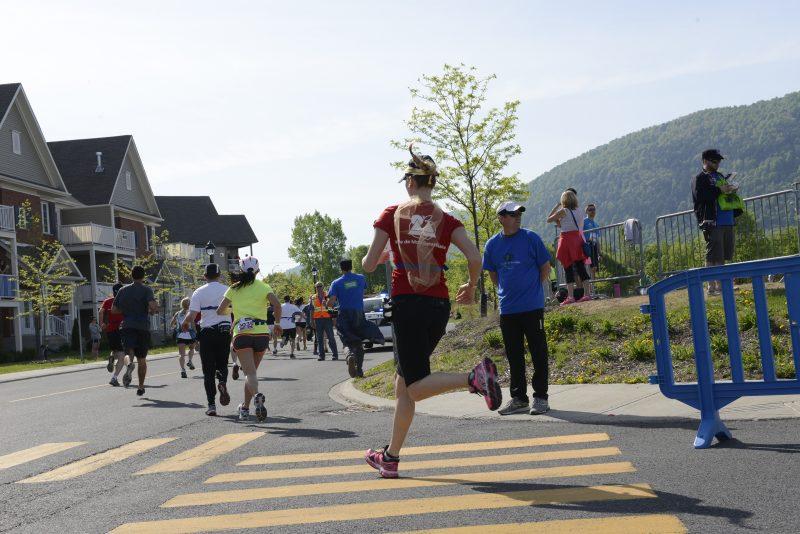 De 2014 à 2015, les parcours de 10 km et le demi-marathon ont subi une baisse de 1 % de participants.