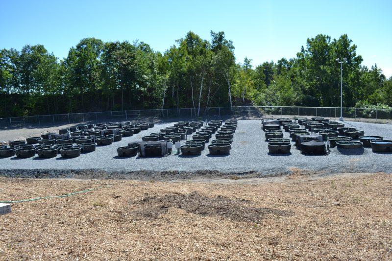 Le site est conçu afin de permettre un grand nombre d'expériences, grâce à une centaine d'étangs.