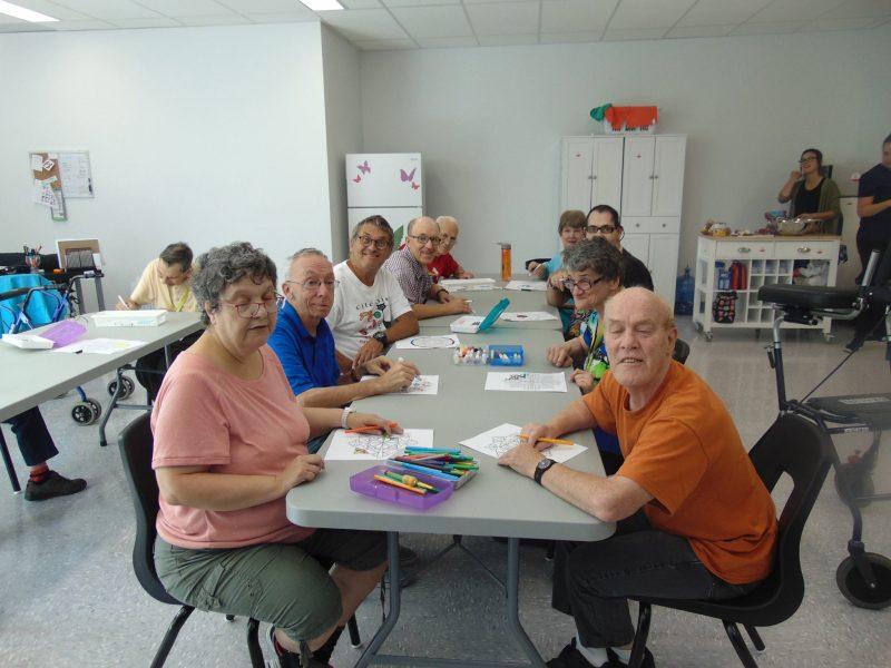 L'AVRDI offre un premier programme pour les aînés avec une déficience intellectuelle.