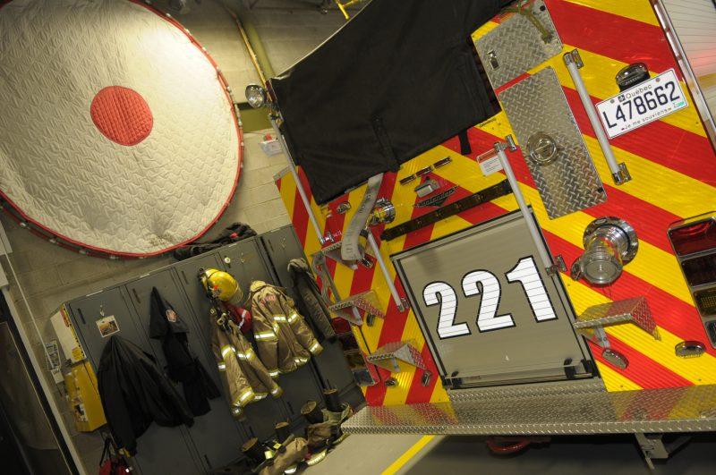 Afin de réduire les impacts d'une fausse alarme, le nombre de pompiers mobilisés au déclenchement d'une alarme varie en fonction de la classification du bâtiment.