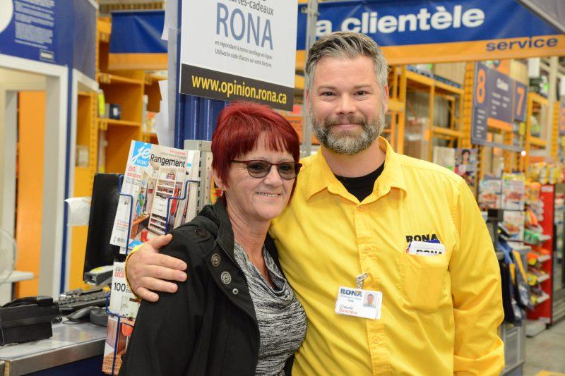 Linda Dansereau a tenu à remercier son patron, Claude Caron, à la grande surprise de ce dernier.