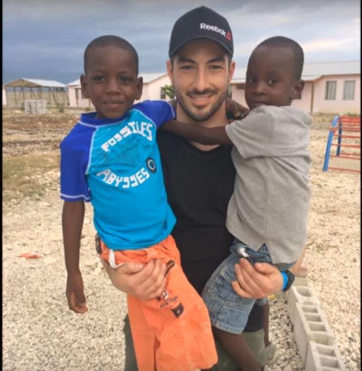 Le pompier Nicolas Talaïa s'envolera vers Haïti pour aider à l'agrandissement d'une école en banlieue de Port-au-Prince.