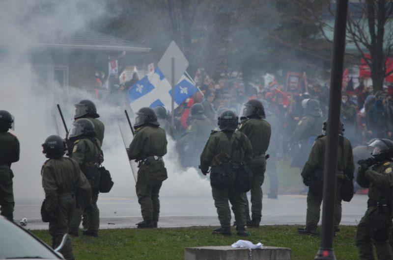 Les policiers de la Régie de police auront un équipement pour le contrôle de foule.