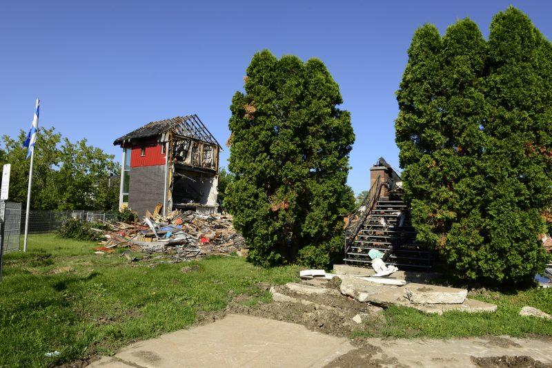 L'école La Farandole au lendemain de l'incendie du 11 juillet 2014.