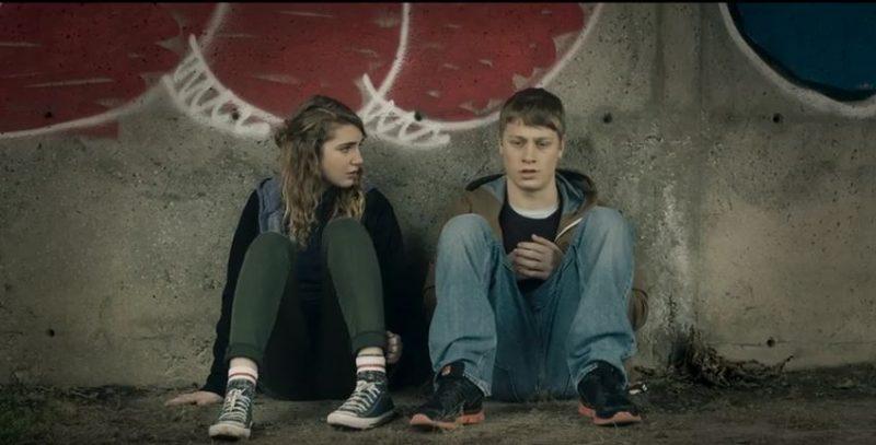 Le film met en vedette Antoine-Olivier Pilon et Sophie Nélisse, entre autres.