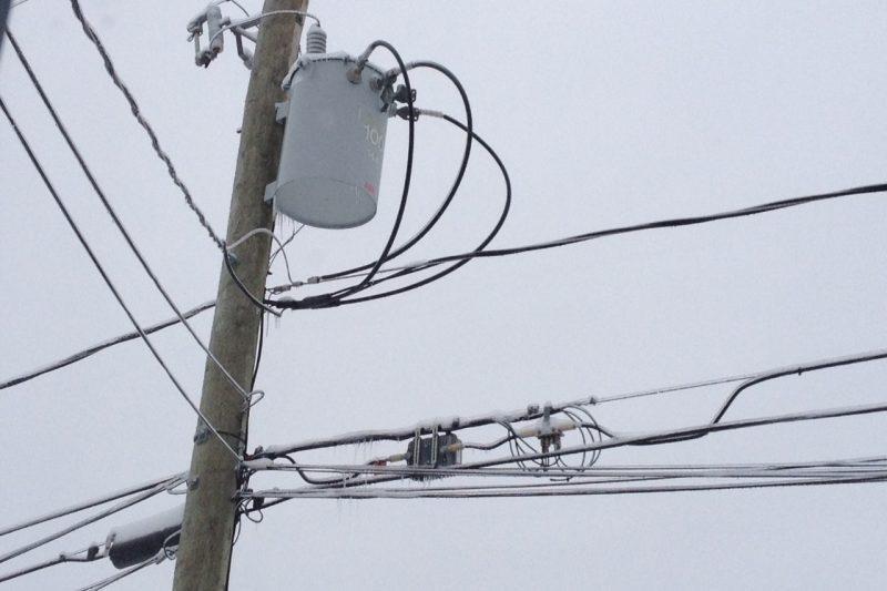 Plus de 21 000 clients d'Hydro-Québec sont privés de courant en Montérégie.