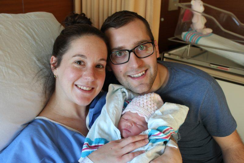 La petite Rose, avec ses parents Catherine Desautels et Jérémie Côté.