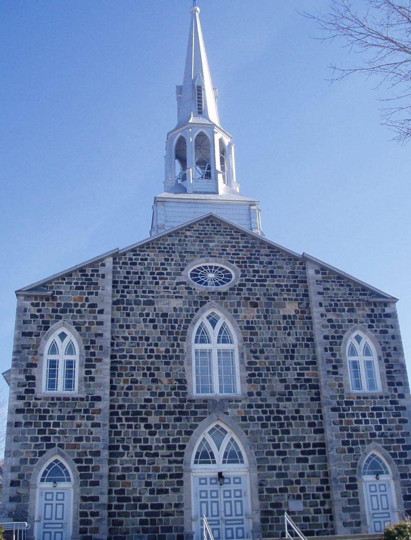 Quatrième arrêt: l'église St-Hilaire.