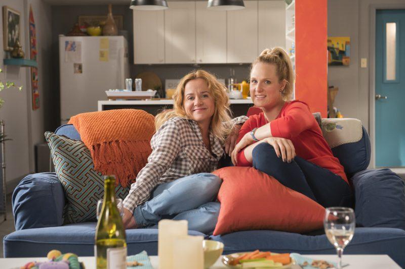 Brigitte Lafleur et Marie-Soleil Dion jouent deux sœurs aux personnalités très différentes qui peuvent mener à quelques échanges très divertissants. Photo: Marlène Gélineau-Payette