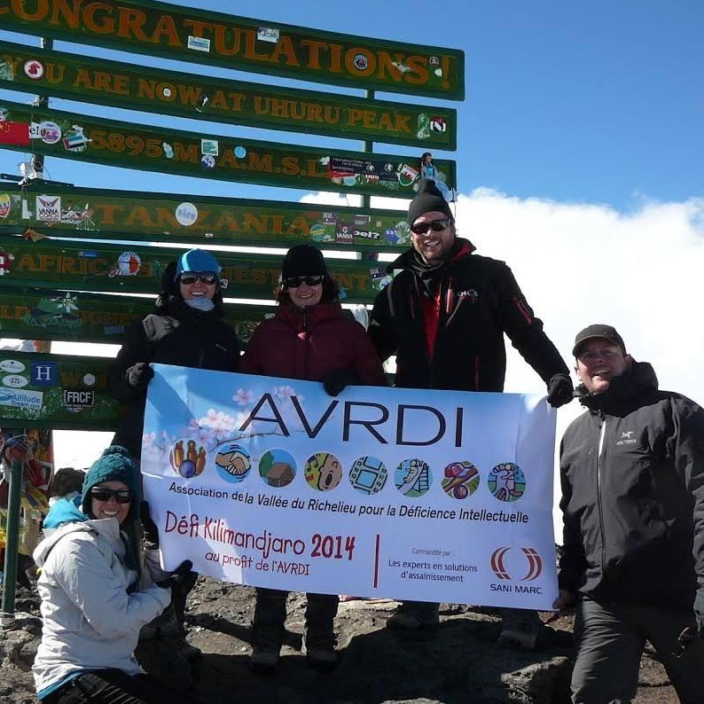 Pour financer ses projets, l'ARVDI s'est donné comme objectif d'escalader le plus haut sommet d'Afrique, le Kilimandjaro, comme elle l'avait déjà fait par le passé. photo Facebook
