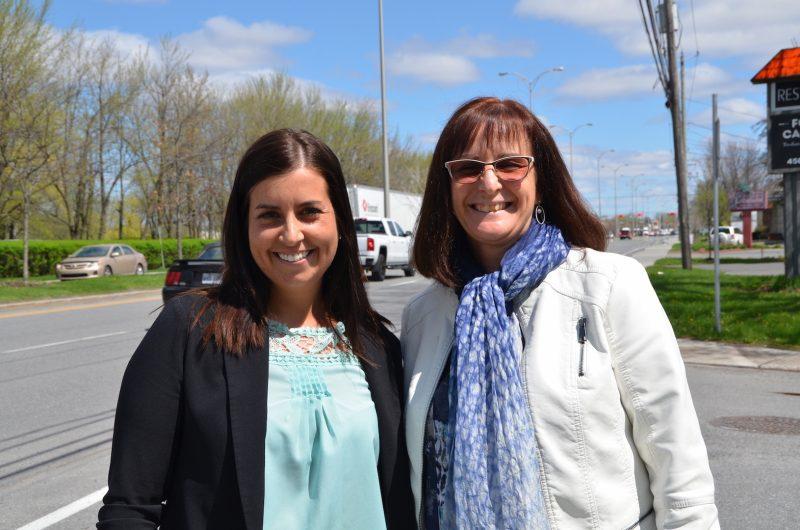 Chantal St-Amant en compagnie de la mairesse Diane Lavoie. poto:Karine Guillet