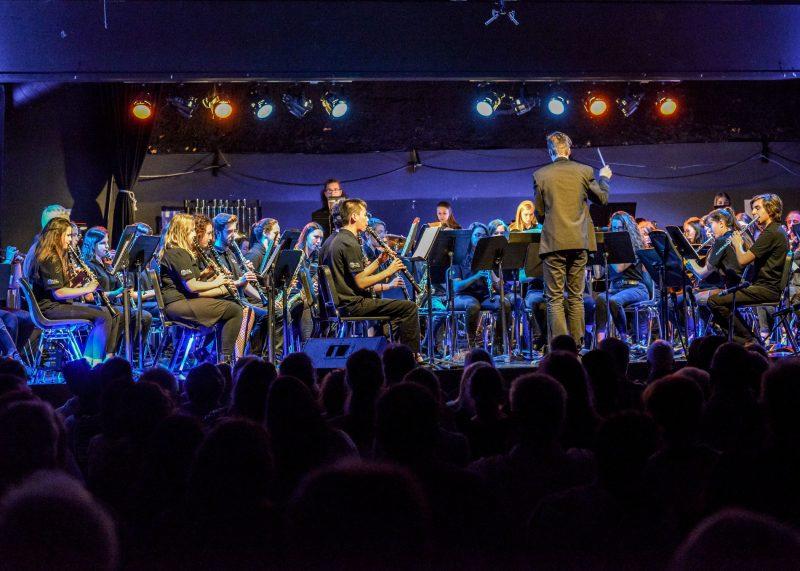 Un des groupes de musique lors des spectacles de fin d'année de l'école secondaire Ozias-Leduc. Selon le finissant Jérémie Renaud, «pour beaucoup d'élèves, la passion pour la musique est née ici». Photo: François Larivière