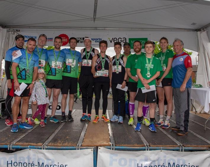 Les gagnants du Défi-corporatif: l'équipe du Groupe Robin, l'équipe de L'Œil Régional et l'équipe de la Maison de la Course. Photos: Gracieuseté.